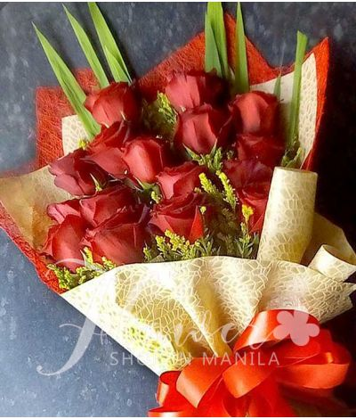 16 pcs. Ecuadorian Red Roses